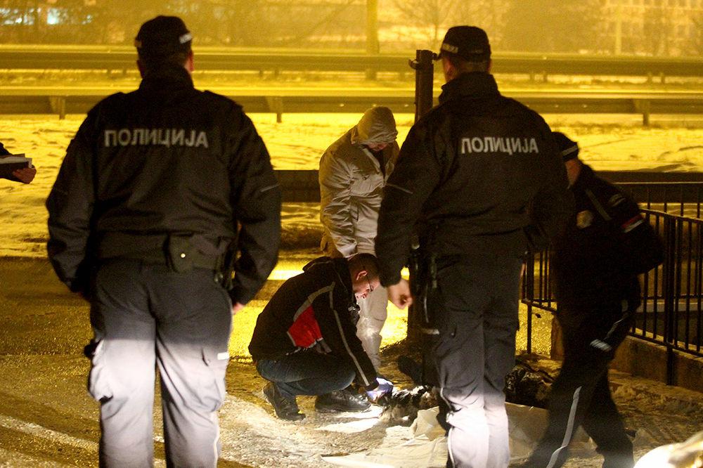 UŽAS U MALOM MOKROM LUGU: Beskućnik se zapalio od cigare i izgoreo na groblju! (UZNEMIRUJUĆI PRIZOR)