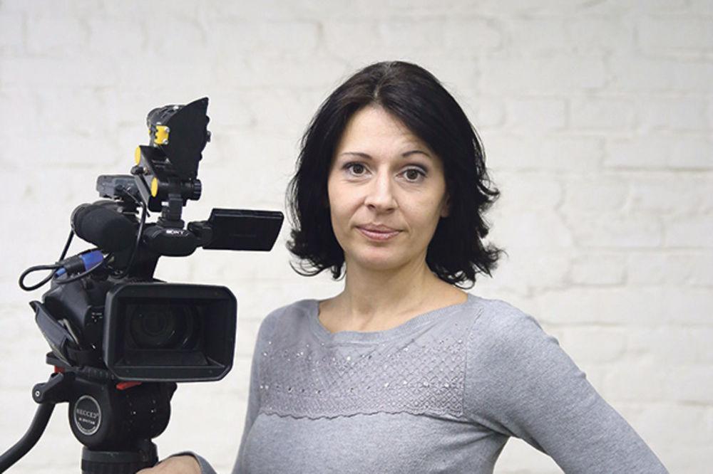 VEČERAS U 20 SATI U UZBUNI NA PORTALU KURIRA: Režimski napadi na nezavisne medije!
