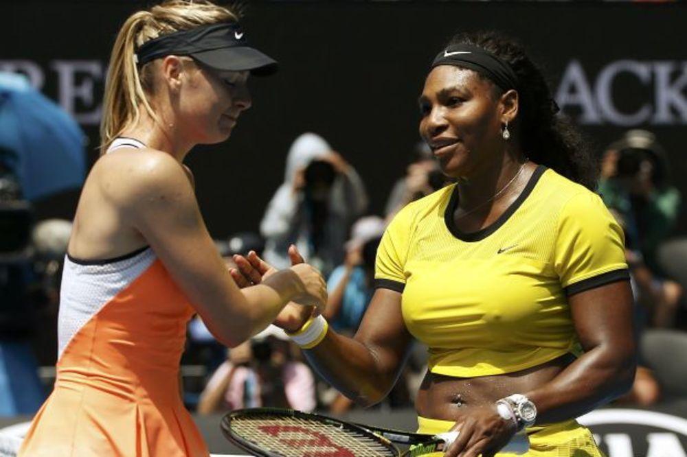 (FOTO, VIDEO) MAMILA UZDAHE: Serena pobedila Šarapovu, ali svi pričaju o njenoj providnoj majici!