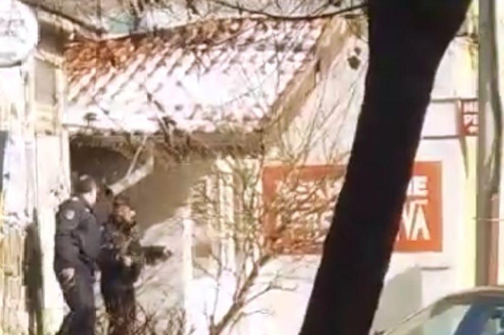 STRAVIČAN VIDEO: Ovo je trenutak kada je policija opkolila pekara, a on sebi pucao u grudi