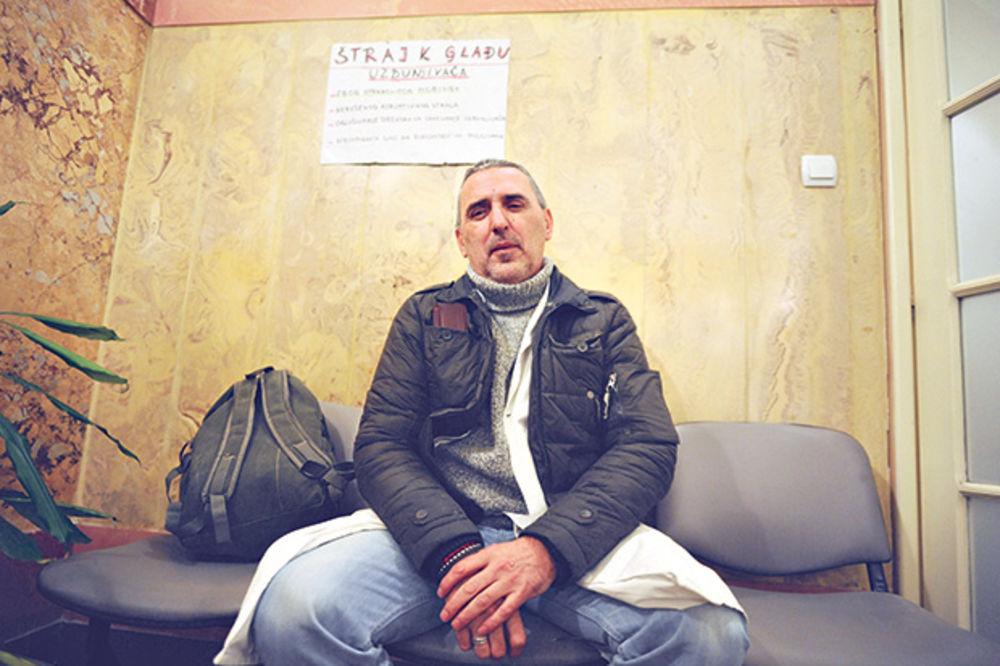 Uzbunjivač štrajkuje glađu zbog mobinga