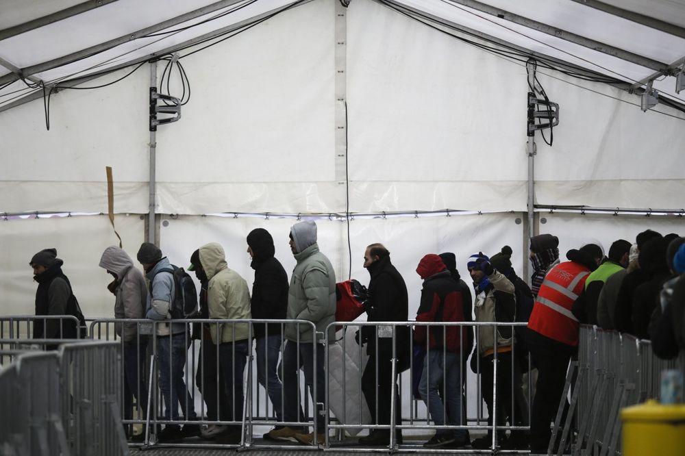 NEMAČKA POLICIJA U PANICI: Na stotine migranata su povezani s terorizmom