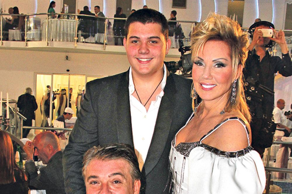 Viktor Živojinović, Lepa Brena, Boba Živojinović, Foto Damir Dervišagić