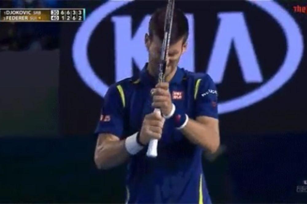 (VIDEO) NOLE SE BAŠ IZNERVIRAO: Pogledajte kako je Đoković zaradio čvorugu!