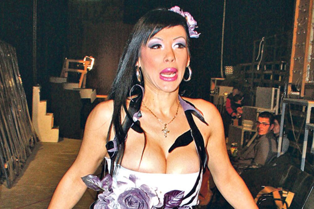 (FOTO) VENDI JE DUGO KRILA: Evo kako izgleda ćerka Vesne Vukelić