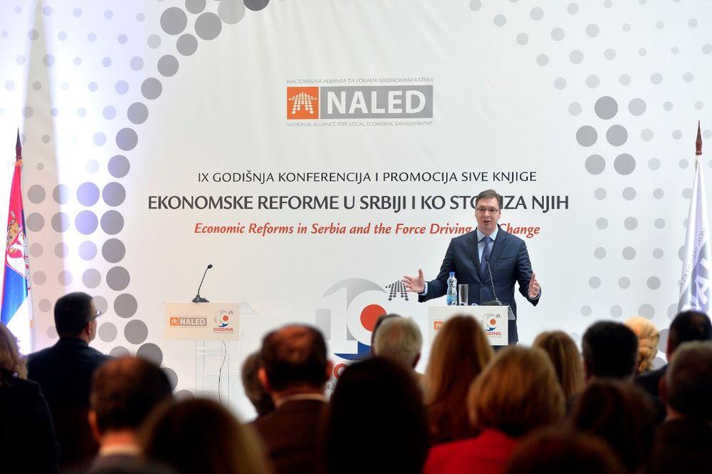 PREDSTAVLJENA SIVA KNJIGA NALED Vučić: Suficit u januaru 250 miliona evra