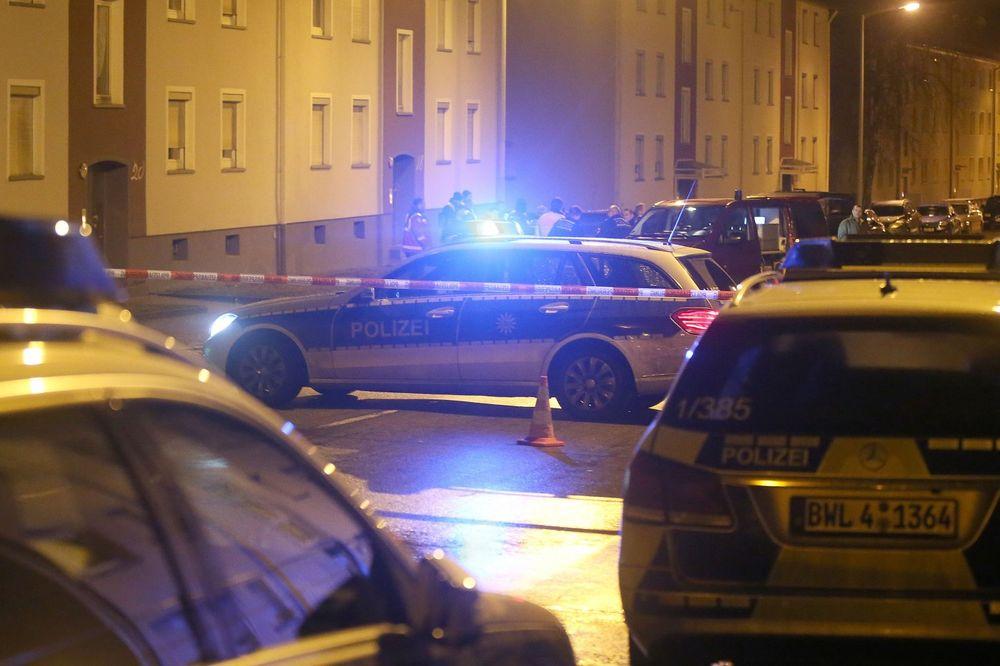 (FOTO) BACILI BOMBU NA IZBEGLIČKI CENTAR U NEMAČKOJ: Incident se desio dok je većina ljudi spavala