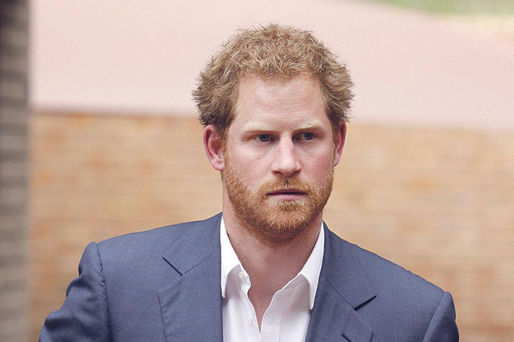 ZAVOĐENJE: Srce princa Harija osvojila Amerikanka