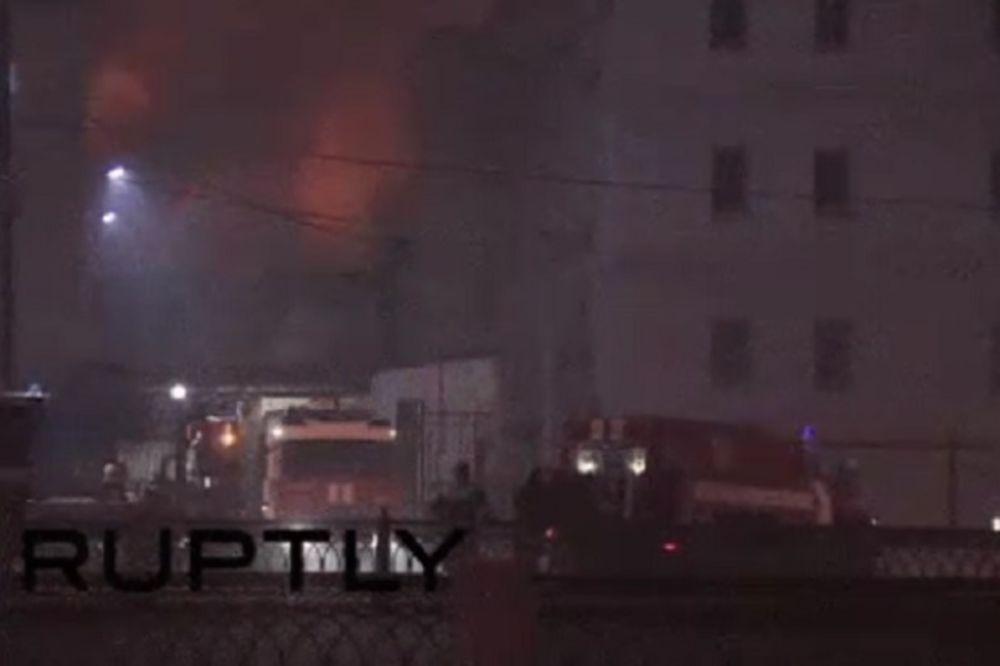 (VIDEO) NAMERNO PODMETNUT POŽAR? 3 deteta među 12 žrtava u izgoreloj fabrici u Moskvi