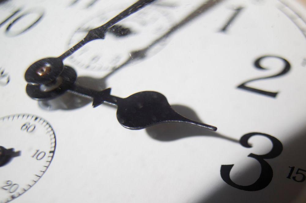 sat, časovnik, kazaljke, foto profimedia