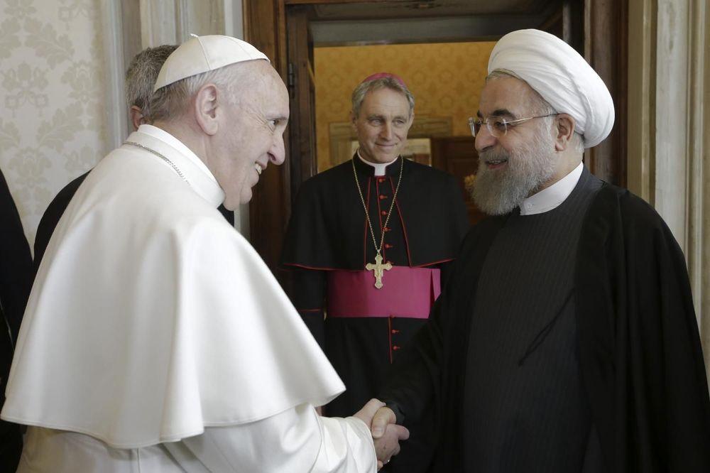NEVEROVATAN SASTANAK PAPE I PREDSEDNIKA IRANA: Razgovarali o poslednjim danima čovečanstva!