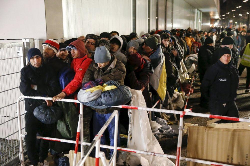 NE OČEKUJU SMANJENJE BROJA IZBEGLICA: Nemačka produžila kontrolu granica za 3 meseca