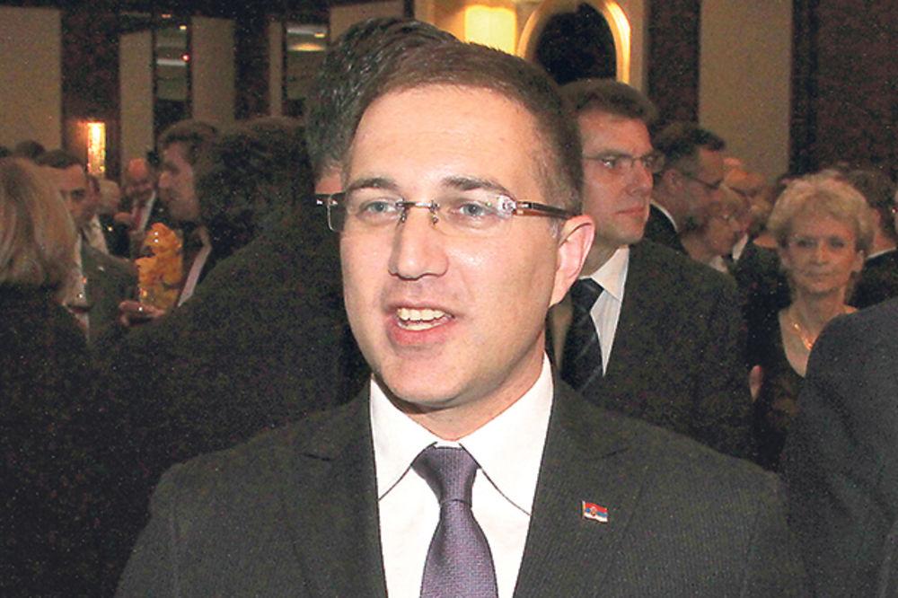 MINISTAR JOŠ ĆUTI: Stefanoviću, odakle ti pare za kućerinu od 300.000 evra?