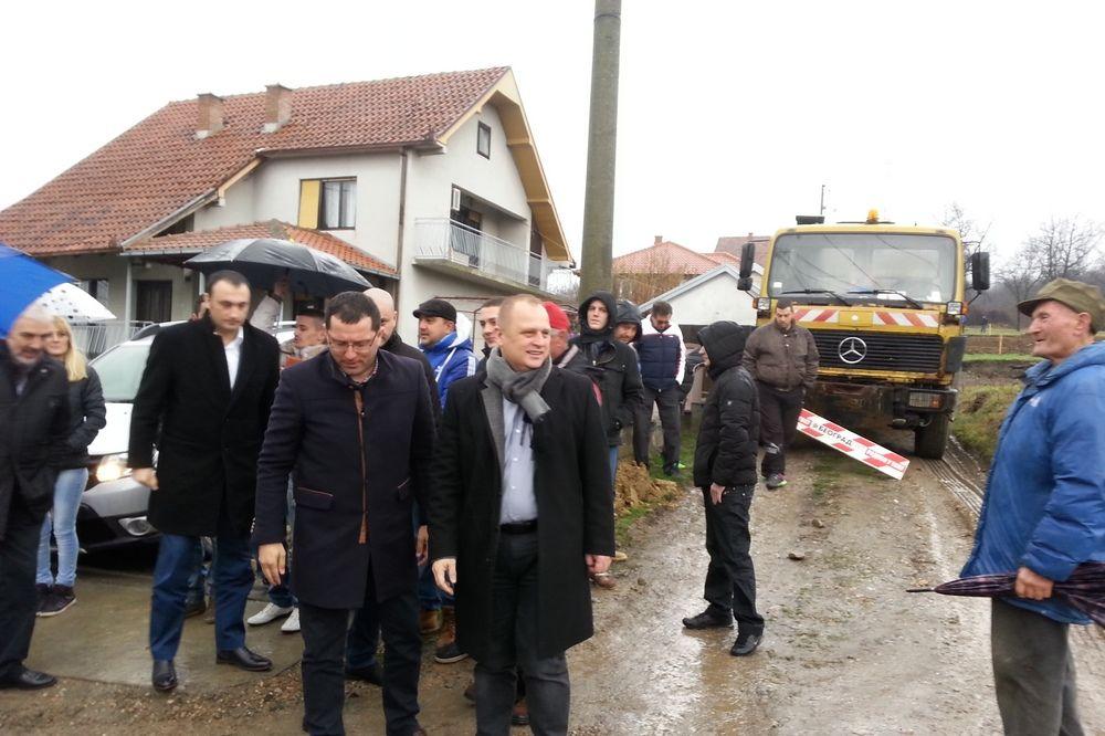 ULAGANJE U INFRASTRUKTURU: Vesić najavio velike projekte u opštini Lazarevac