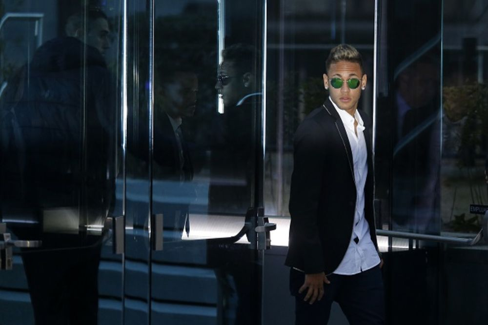 (VIDEO) OTAC PRIZNAO: Mančester junajted ponudio Barseloni 190 miliona evra za Nejmara