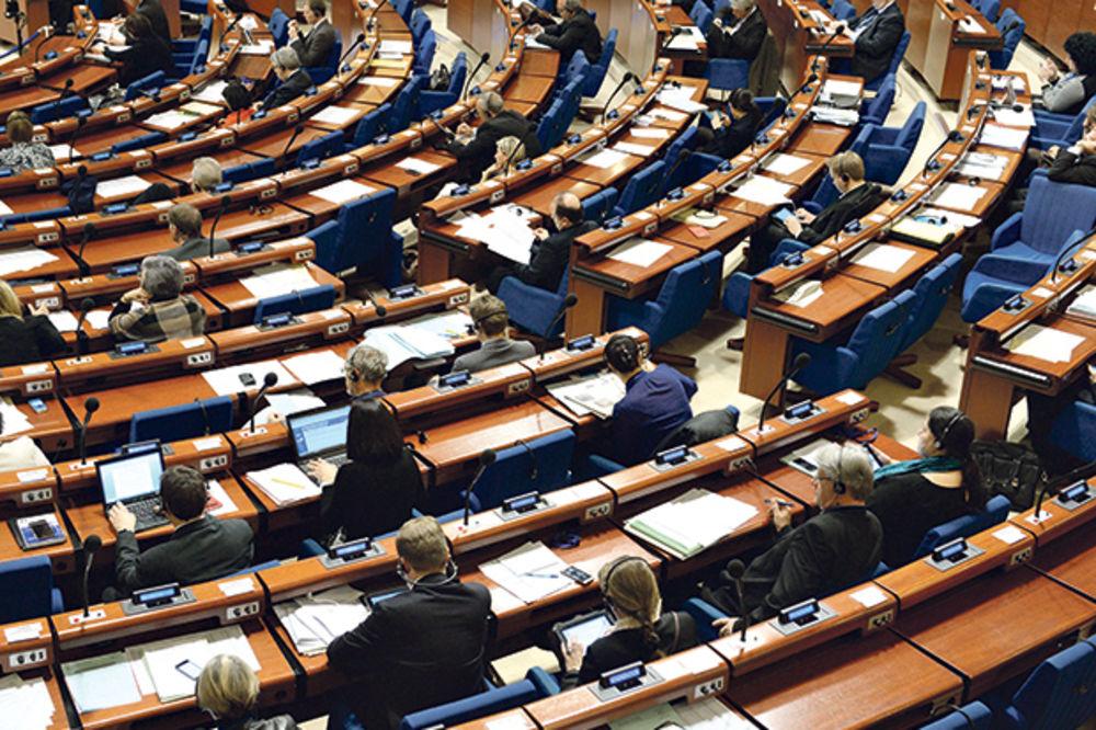 PACKE IZ EU: Zaustavite cenzuru i političke pritiske na medije u Srbiji!