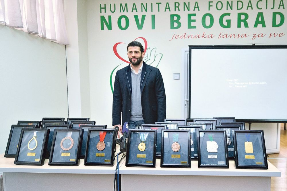 VELIKO SRCE ALEKSANDRA ŠAPIĆA: Vredne su medalje, ali vredniji je dečji život!