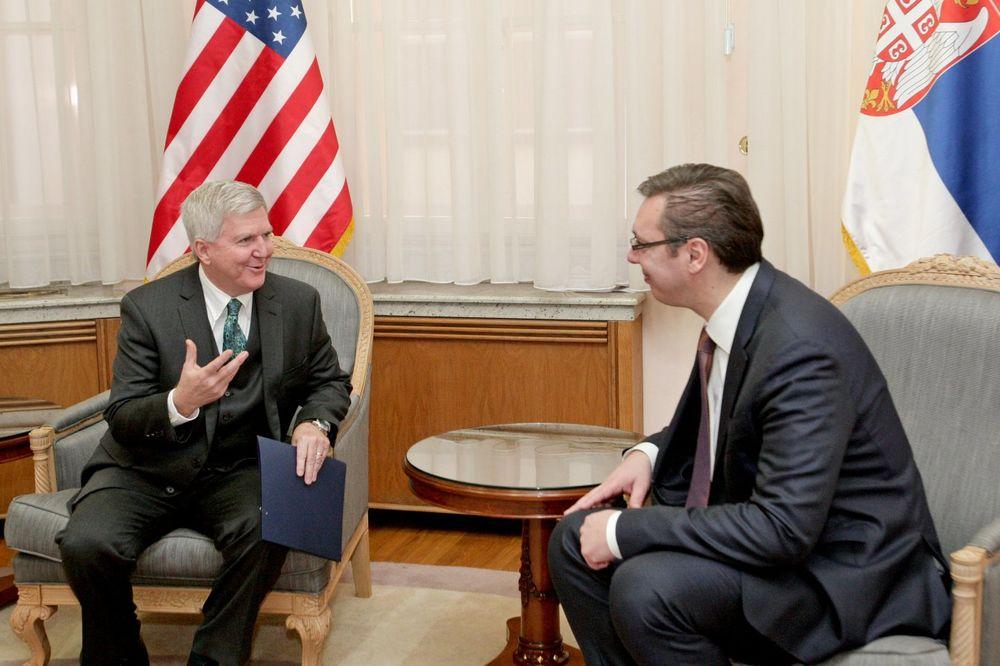 VUČIĆ SA SKATOM: Podrška SAD reformama i evropskom putu