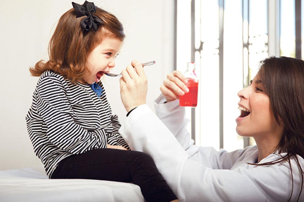 SAVETI LEKARA: Evo kako detetu pravilno da date lek