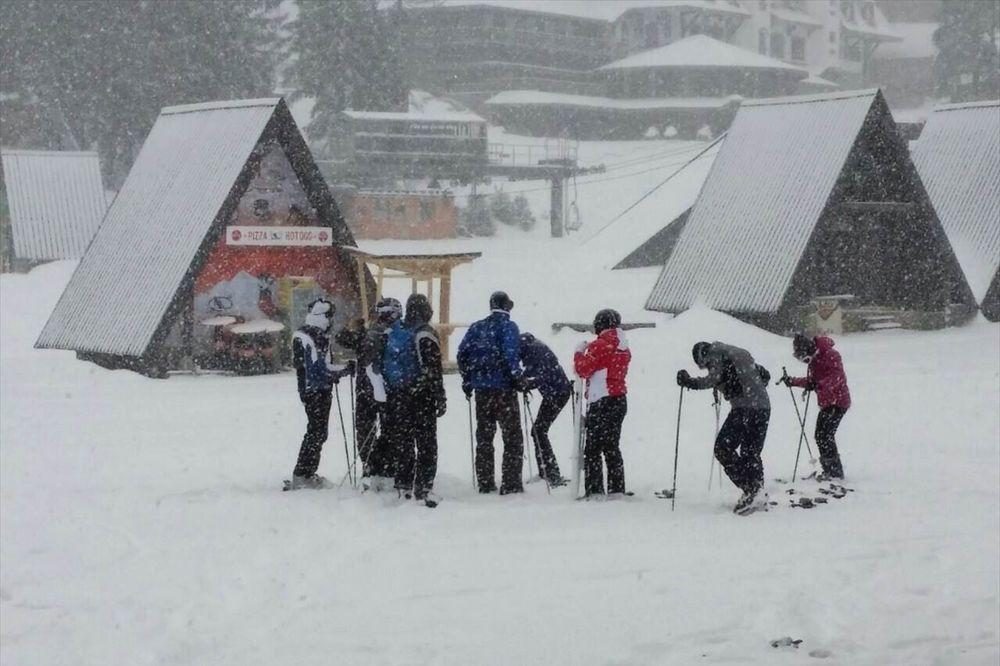 TRAGEDIJA NA BJELAŠNICI: Sneg zatrpao planinare, jedan poginuo