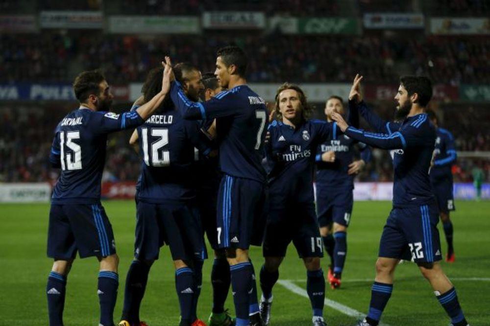 (VIDEO) HRVAT SPASAO KRALJEVE: Modrić golčinom u finišu doneo pobedu Realu u Granadi