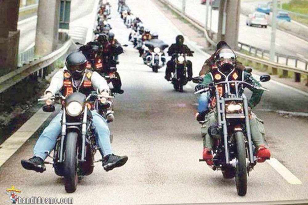 BANDIDOSI MI PRETE SMRĆU I TRAŽE 200.000 EVRA REKETA: Srbin godinama na meti moto-bande!