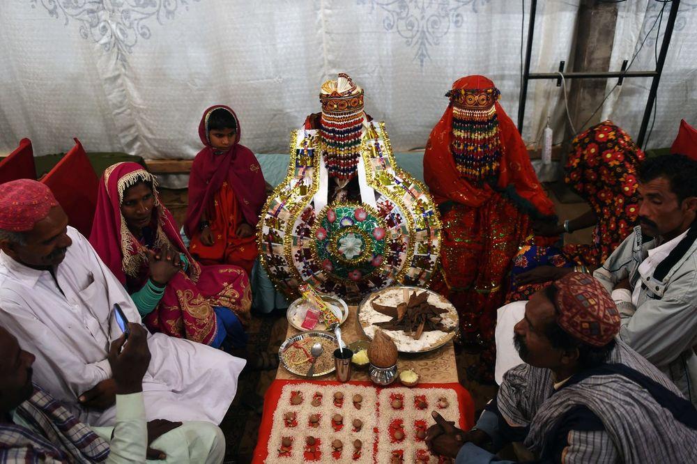 SULUDA TRADICIJA U PAKISTANU: Devojčicu (6) prisilili na brak