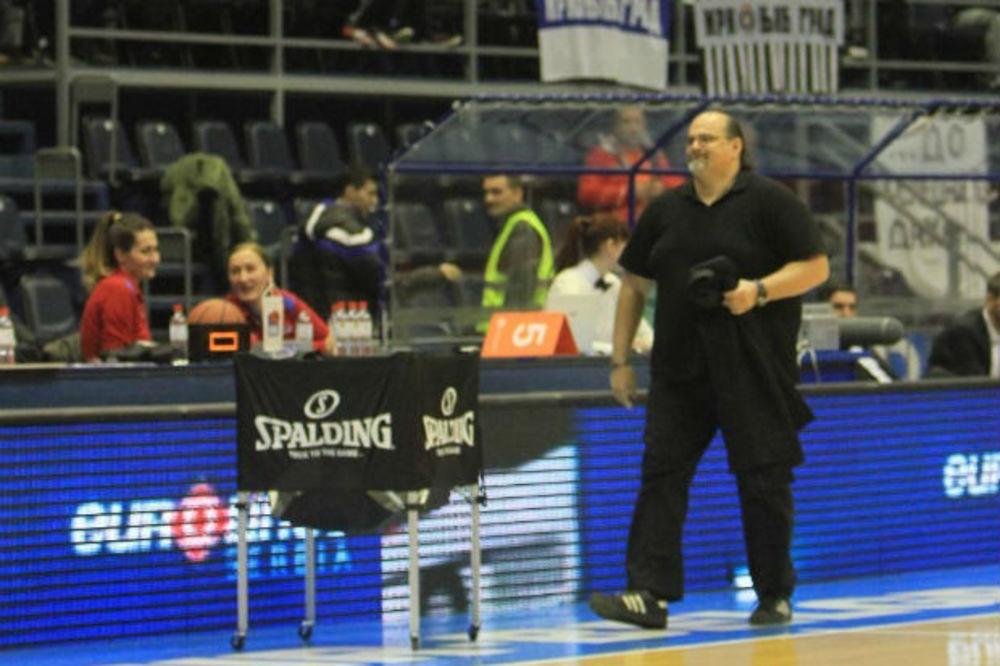 (VIDEO) ROKENROL GROBARI: Evo uz koje pesme Džikić motiviše košarkaše Partizana