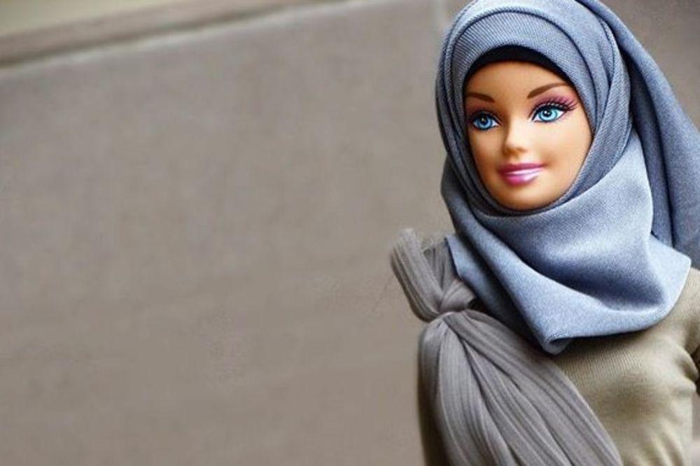(FOTO) NOVO IZDANJE POPULARNE LUTKE: Barbika u hidžabu postala hit na internetu