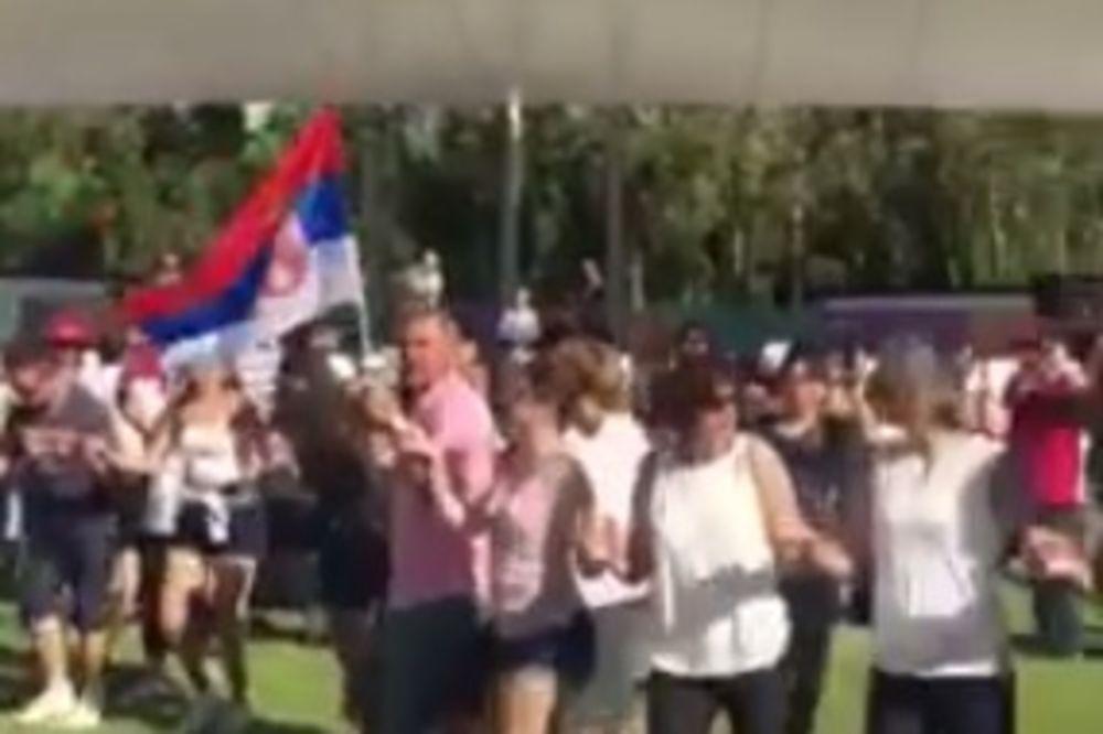 (VIDEO) ALAL VERA, ZEMLJACI: Srbi na livadi usred Sidneja opleli kolce i Nišku banju!