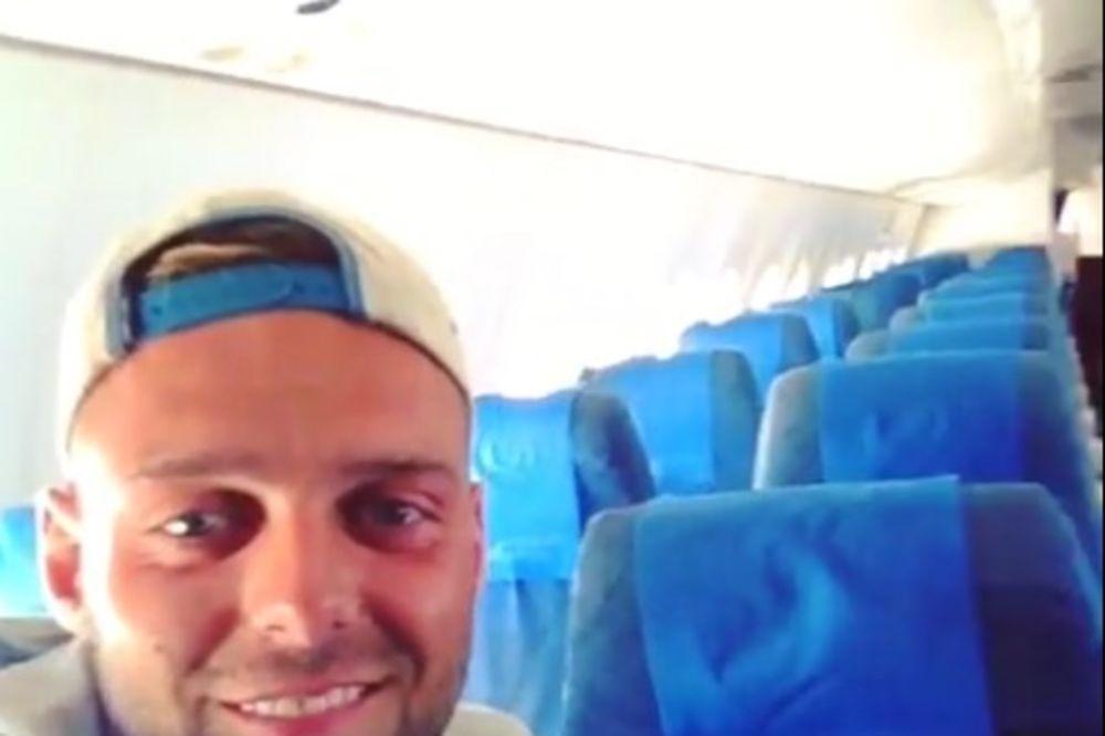 (VIDEO) CEO AVION PO CENI JEDNE KARTE: On je bio jedini putnik na letu za Filipine