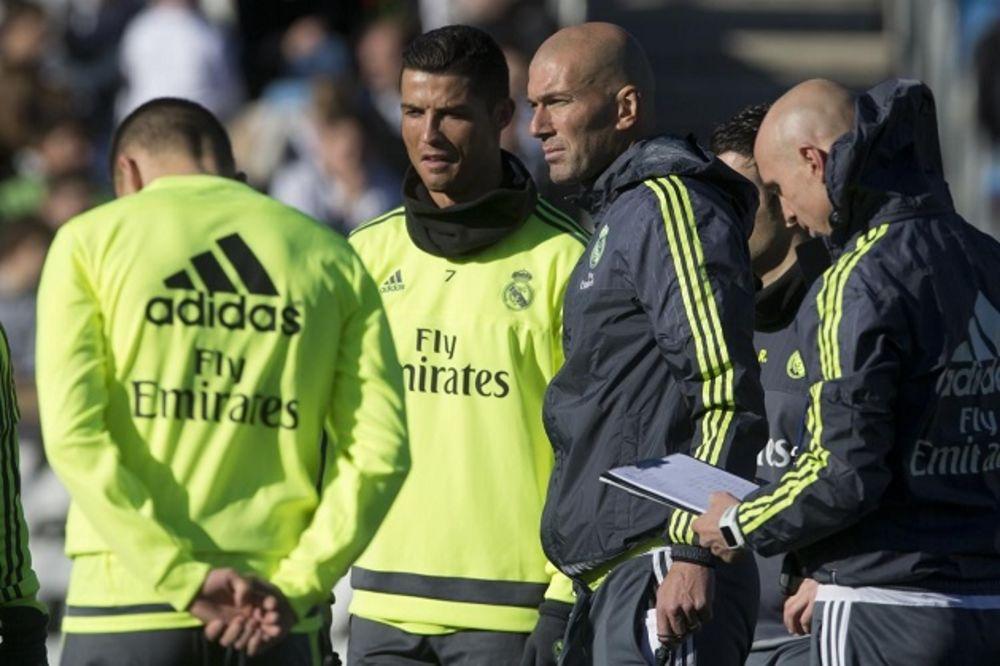 (VIDEO) ZIDAN KATEGORIČAN: Ronaldo je bolji od Mesija