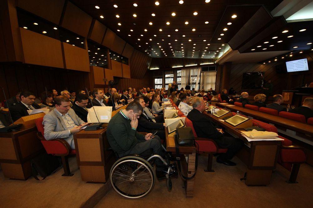 NAJVAŽNIJA TAČKA DNEVNOG REDA: Skupština Novog Sada o višku zaposlenih