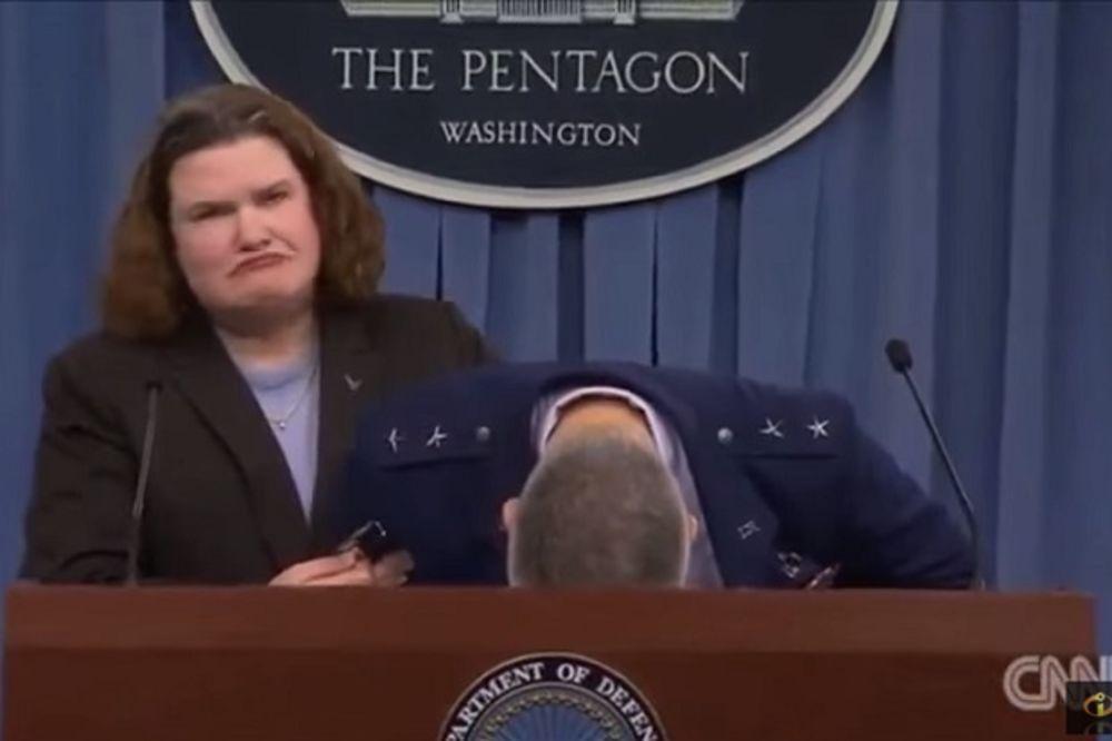(VIDEO) SAMO JE PAO NA GOVORNICU: Američki general se onesvestio pred novinarima