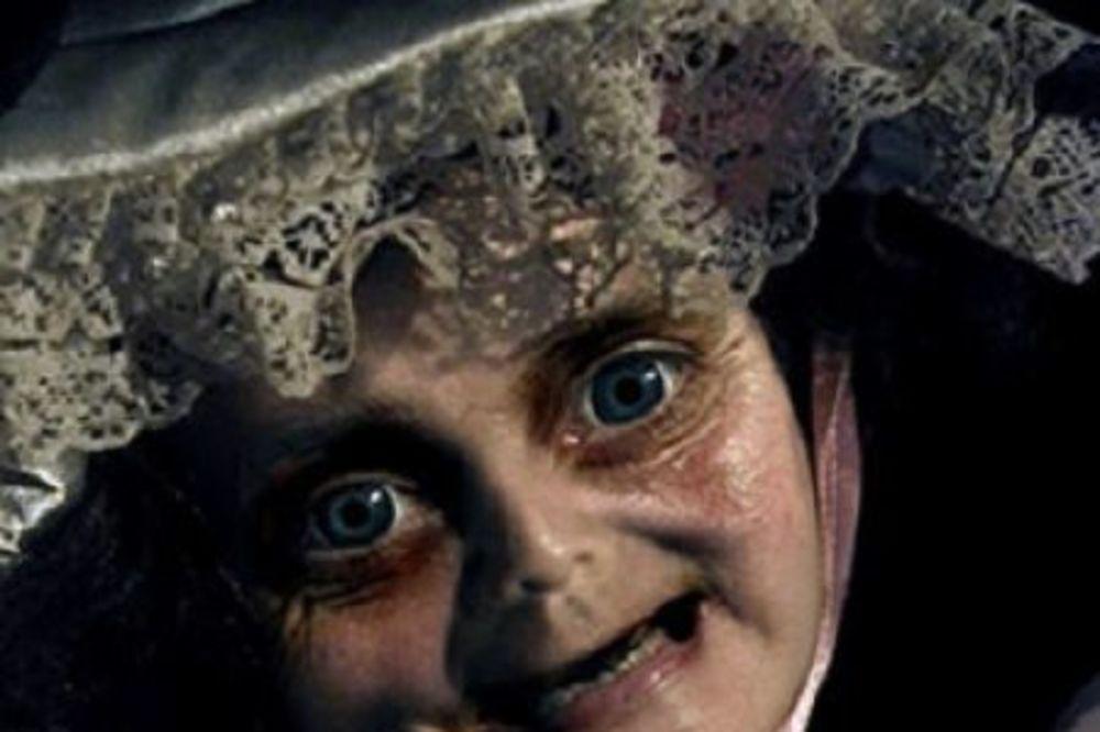 JEZIVE STARE LUTKE: Njihove oči će vam probušiti rupu kroz dušu! Hoćete da se poigrate?