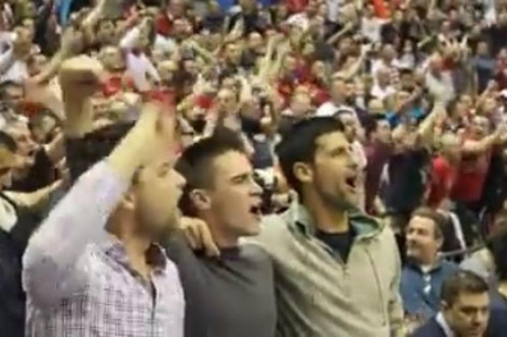 (VIDEO) NOVAK GRMEO SA DELIJAMA: Crvena zvezda le, Crvena zvezda le...