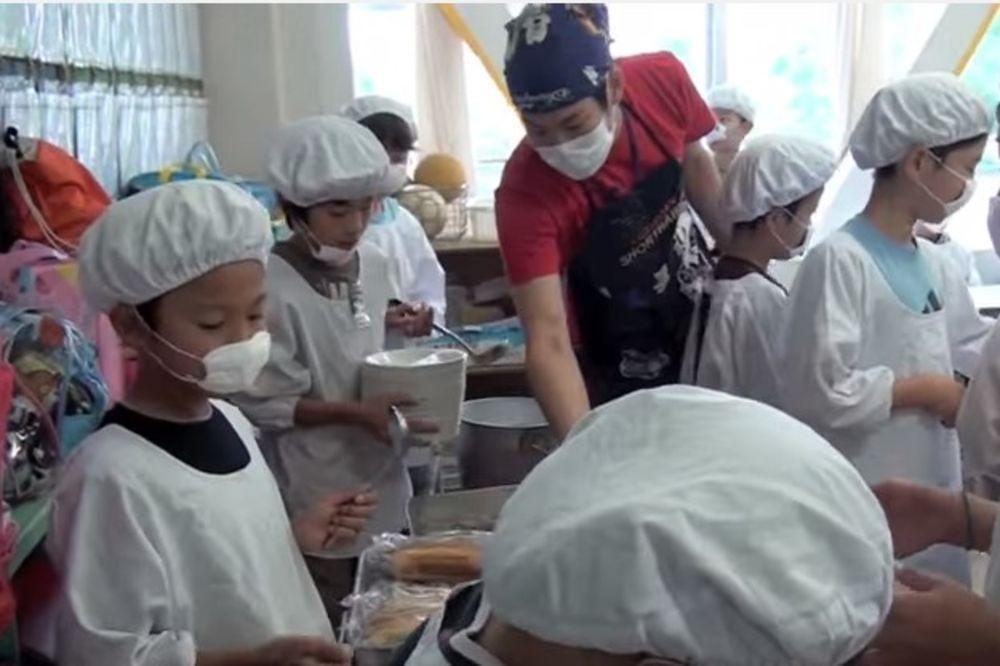 (VIDEO) KAKO POSTATI ČOVEK: Ono što deca u Japanu rade tokom odmora će vas ganuti