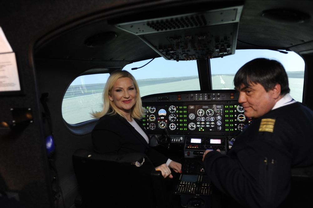 MIHAJLOVIĆ: Nastavićemo da pomažemo Vazduhoplovnu akademiju u Vršcu