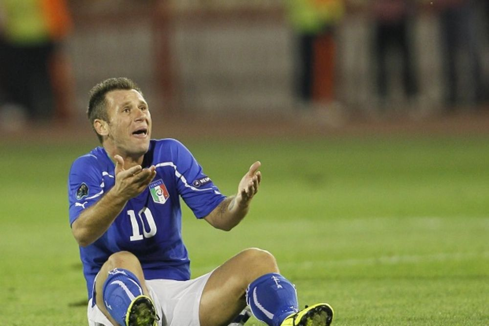 (VIDEO) KRALJ KONTROVERZI: Legendarni italijanski fudbaler priznao da je zavisnik od seksa i hrane