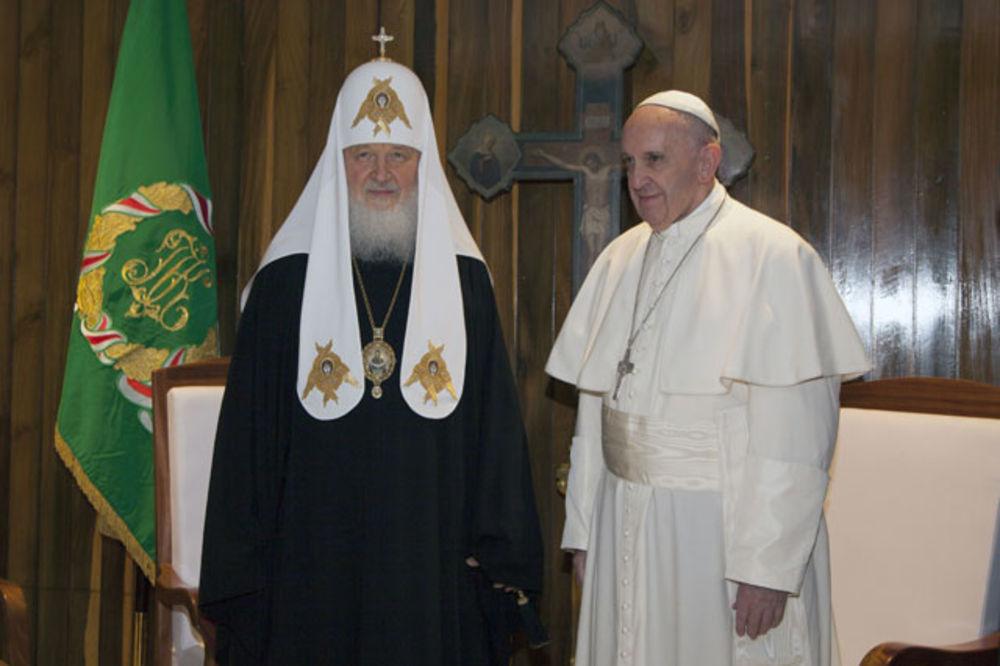 ISTORIJSKI SUSRET: Sastali se papa Franja i patrijarh Kiril