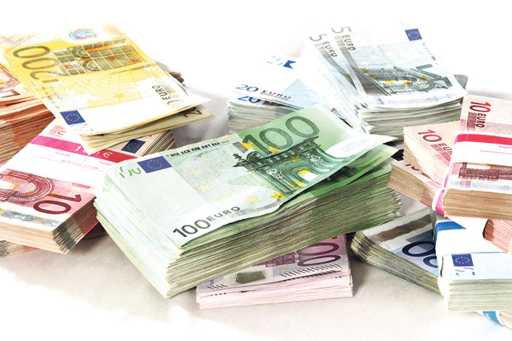 DINAR I DALJE U MIROVANJU: Evro danas 122,6 dinara