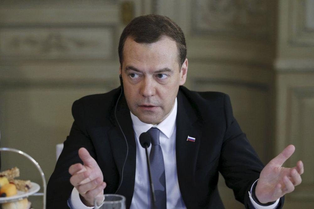 MEDVEDEV NIKAD OZBILJNIJI: Rusija i Zapad su u novom Hladnom ratu!
