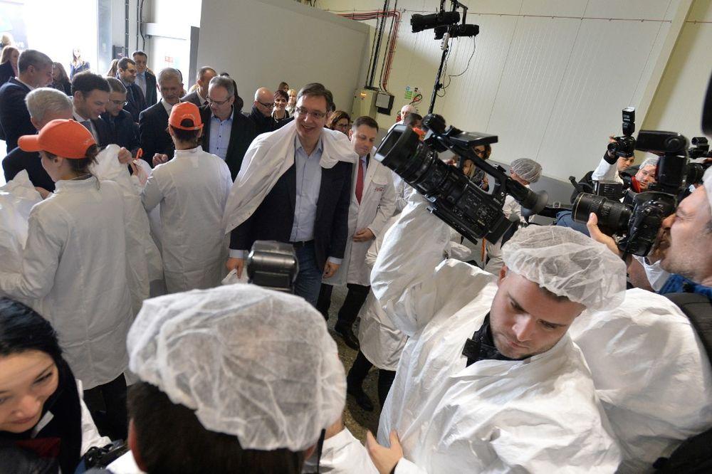 VUČIĆ U ZEMUNU: Otvoren Regionalni Centar za sokove