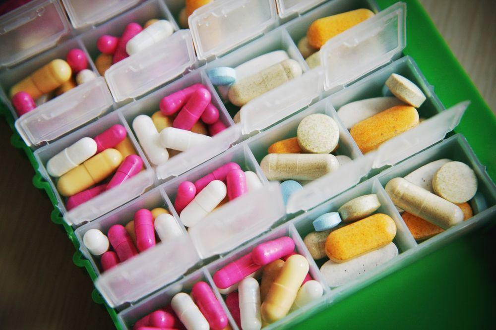 KOLIKO LEKOVA PIJETE: 25.000 ljudi godišnje umre od nekontrolisane upotrebe antibiotika