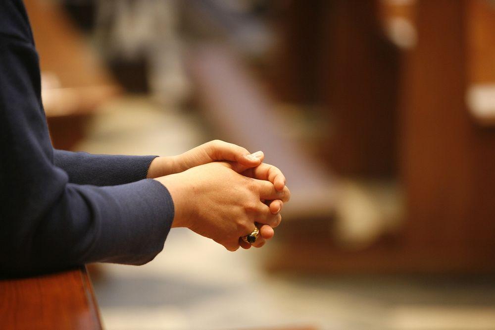 NAUČITE IH I KRENUĆE VAM NA BOLJE: Pomolite se anđelu čuvaru! Molitve za svaki dan!