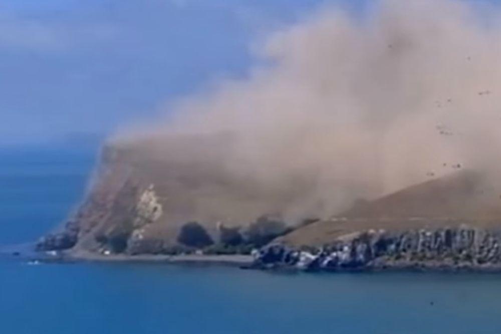 (VIDEO) JAK ZEMLJOTRES NA NOVOM ZELANDU: Obala se obrušila u okean, ljudi se evakuišu!