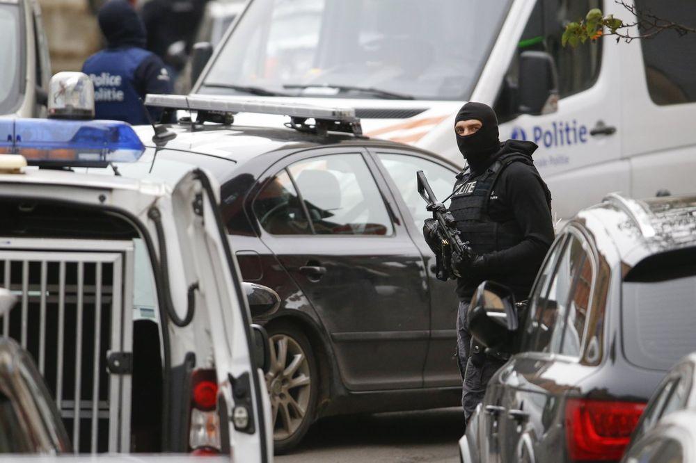 PANIKA U BRISELU: Evakuisane dve metro stanice!