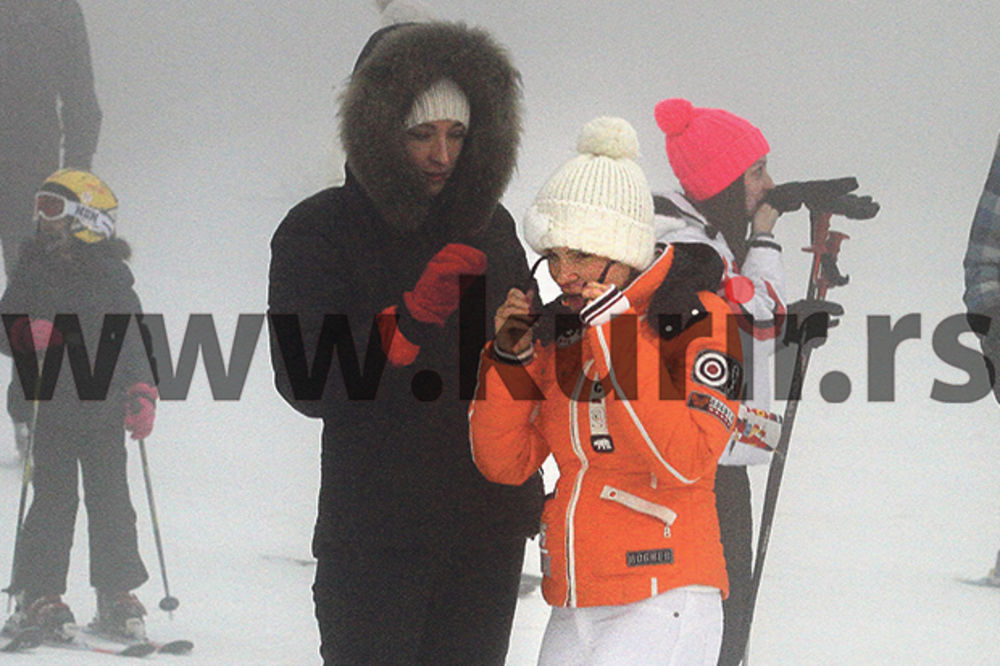 PAPARACO: Jelena Trivan se nadula od zime