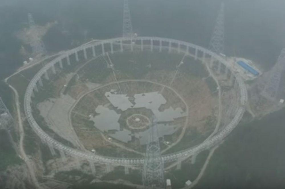 (VIDEO) ISTINA JE TAMO NEGDE: Kina iseljava 10.000 ljudi zbog vanzemaljaca