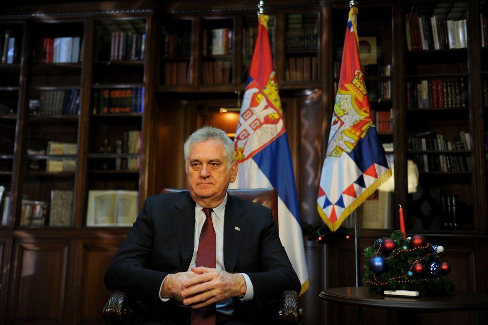 DVERI PROZVALE NIKOLIĆA: Zašto predsednik Srbije ćuti?